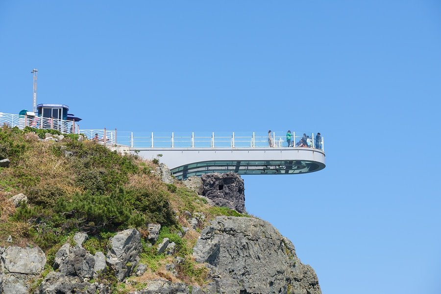 Transparent Oryukdo Skywalk, Busan