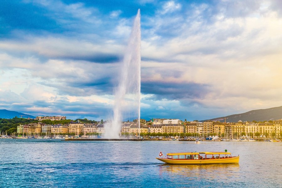 Panoramic view of Geneva skyline with famous Jet d'Eau fountain, Geneva, Switzerland