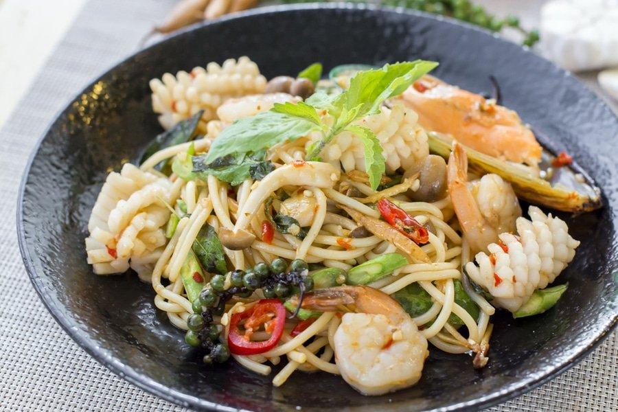 Bangkok food, drunken noodles, pad kee mao