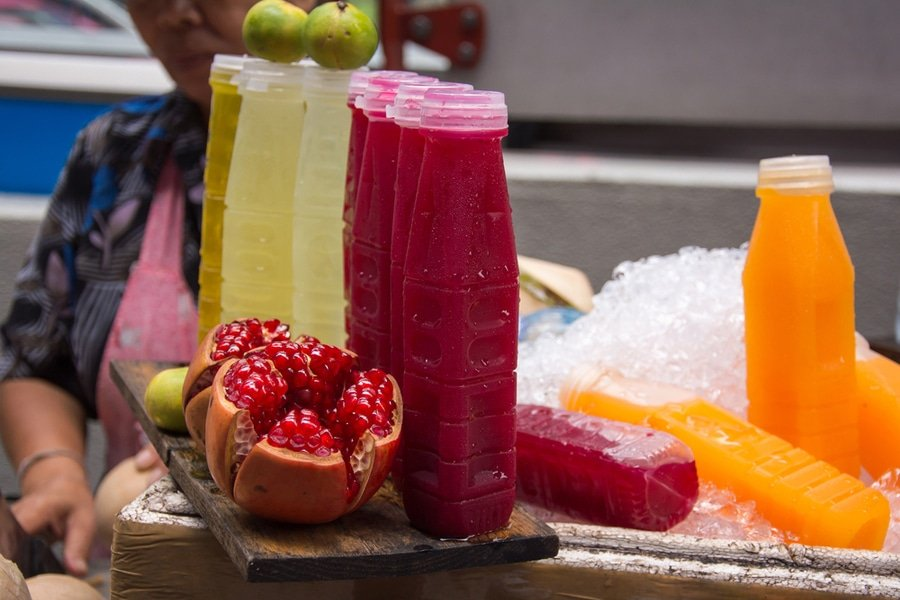 Bangkok food, street vendor, pomegranate juice