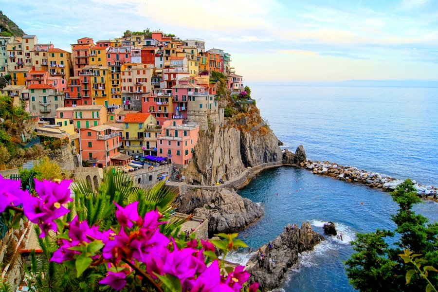 Explore the centuries-old seaside villages of Cinque Terre, Italy in 3 days