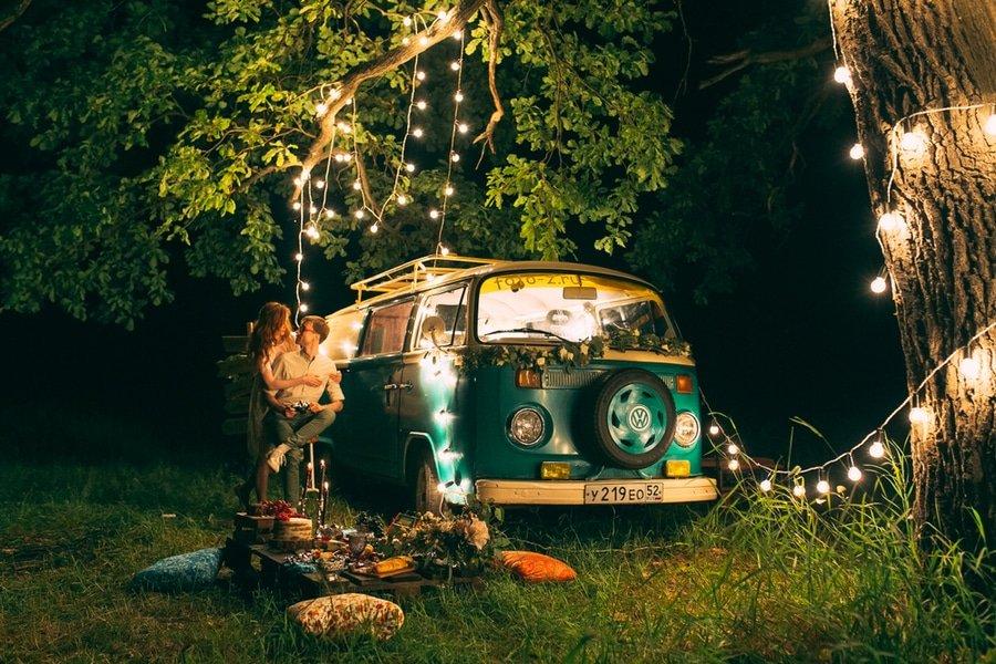 camper-van couple